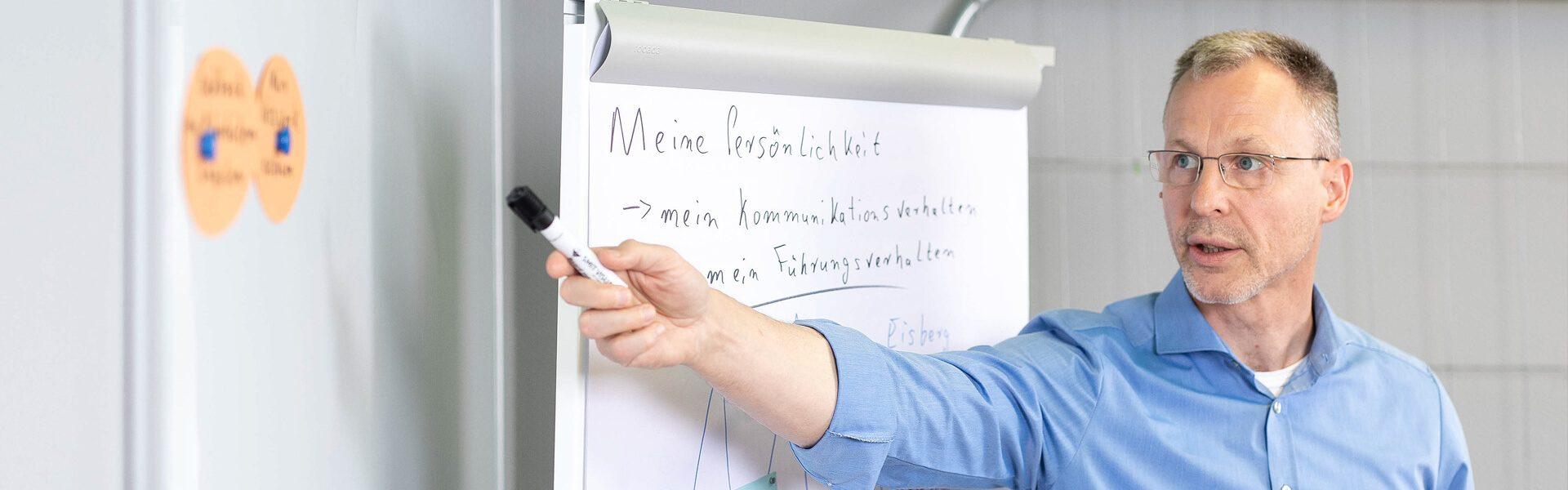 Header_Fuehrungskraefte